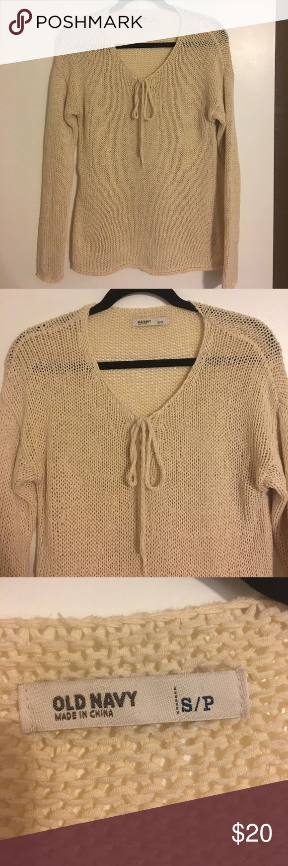 Old Navy Knit tie front Beige sweater small Old Navy Knit tie front Beige sweater small - great basic to have in your life! Old Navy Sweaters