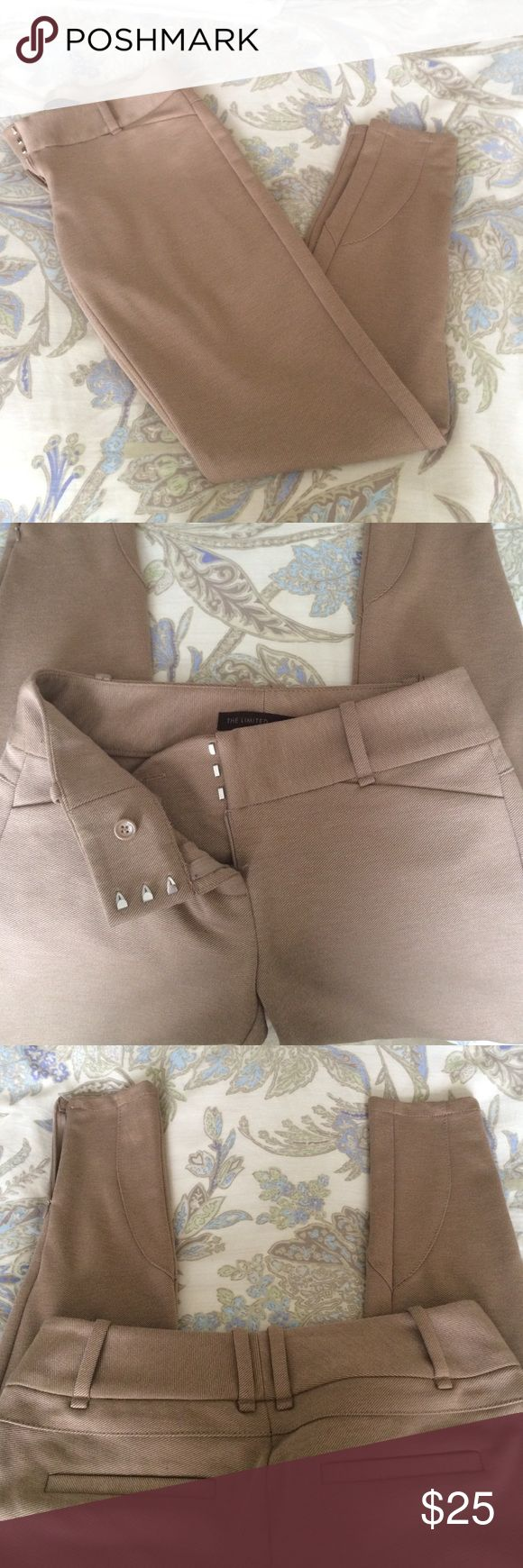 """🍂Camel skinny pants The Limited drew fit low rise stretch skinny pants. Zip front 3 clasped and interior button. 2 faux pockets on back. Calf detail and 4 1/2"""" zipper on the bottom of the pants. 29"""" inseam and can wear a belt up to 2"""" wide The Limited Pants Skinny"""
