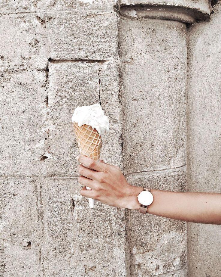 "Gelato perfect - Sardinia ""Coconut gelato 🍦 which gelato flavor is your favorite? #yummy #gelato #sardinia #italy #alghero"""