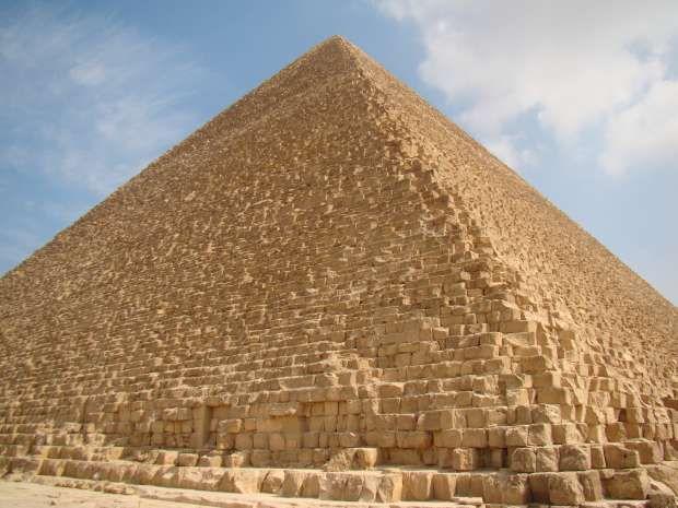 marea-piramida-a-lui-Kheops-de-la-Giza Descoperiri esențiale care demonstrează că piramidele din Egipt au fost construite de o inteligență extraordinară