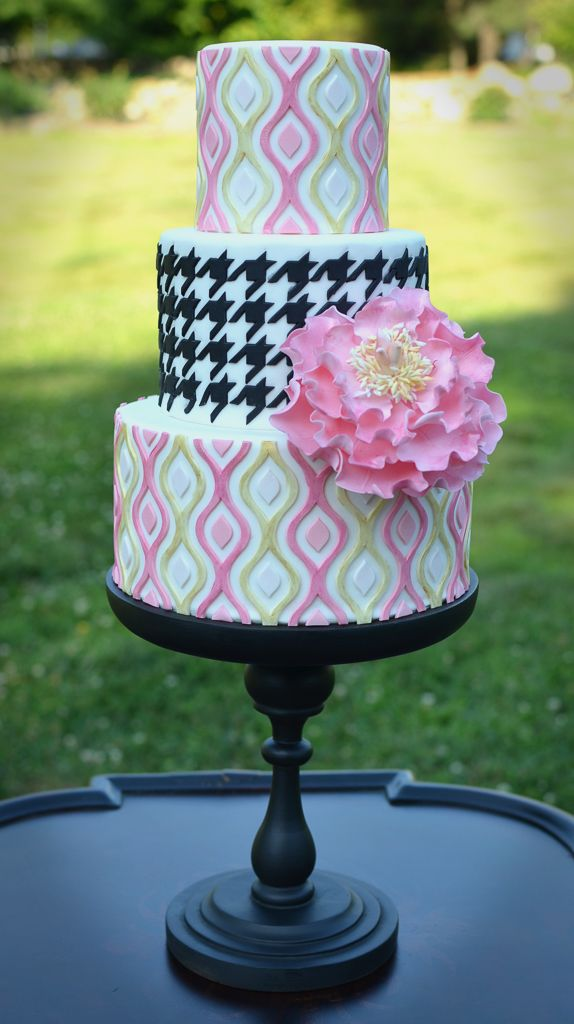 Elisabeth Palatiello's Playful Houndstooth & Ikat Silicone™ Onlay Cake Tutorial Tutorial on Cake Central