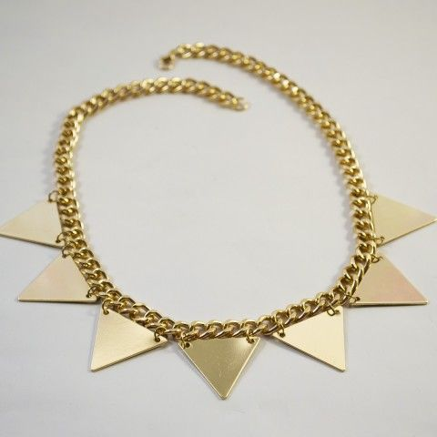 Collier triangles de couleur or. #bijou #collier