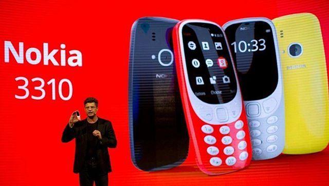 Setelah nyaris 17 tahun dirilis untuk pertama kalinya Nokia resmi menunjukkan tampilan terbaru produk handphone terlarisnya Nokia 3310. Jika versi orisinal dari handphone ini terlihat sederhana dengan fitur layar monokrom dan tanpa kamera kali ini Nokia menyematkan teknologi yang lebih up-to-date untuk handphone berukuran mini ini lewat kamera berresolusi dua megapixel plus LED Flash dan sistem operasi Nokia series 30 OS yang membuat penggunanya mampu mengakses dunia maya hingga bermain…