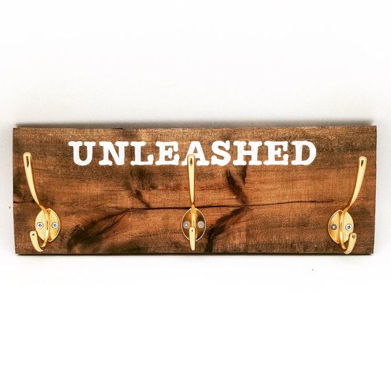 Reclaimed Wood Leash Hanger Support pour by EcoDecoMontreal