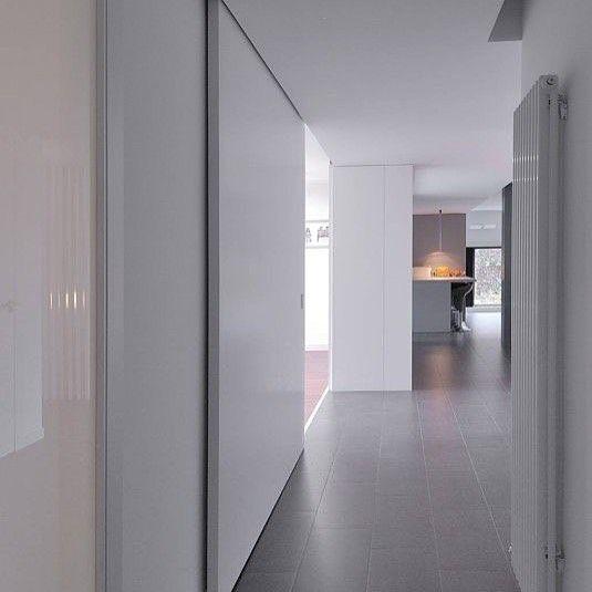 Puertas correderas de suelo a techo Lacadas o en maderas... todas son perfectas y nuestros clientes lo tienen claro !!! Puedes ver más ideas en nuestro perfil de Facebook #delucioinspiraciones
