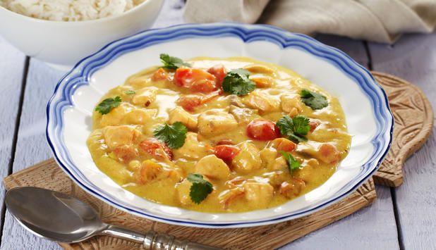 Laks i karri: Laks passer til sterke smaker, og i denne oppskriften får den en asiatisk smak av karri og kokosmelk.