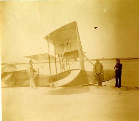 Hydravion et équipage