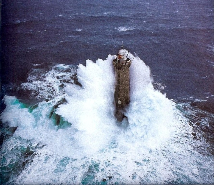 Kereon Lighthouse Brittany France Lighthouse Waves