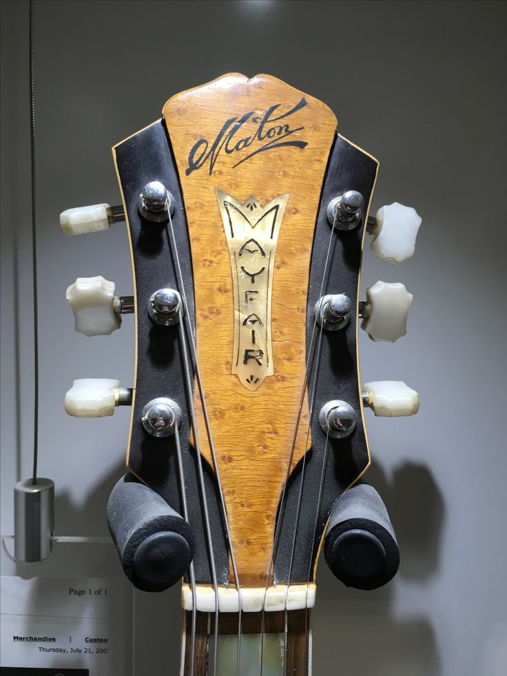 M300B (60) Mayfair Acoustic Headstock. Face: Canadian Spruce; Back and Sides: Maple; Fingerboard and Bridge: Rosewood. Introduced in 1960 and discontinued in 1964. A total of 175 were made.