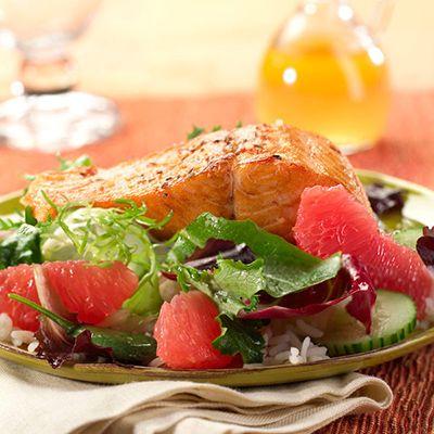Salade de saumon et de pamplemousse