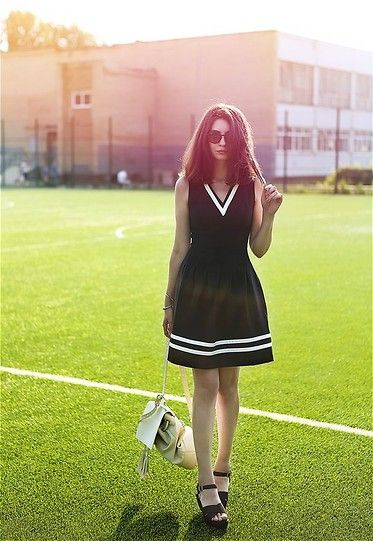 Darya Stephenson - H&M Dress, Oysho Shoes, Zara Backpack, Ray Ban Sunglasses - Cheerleader's dress