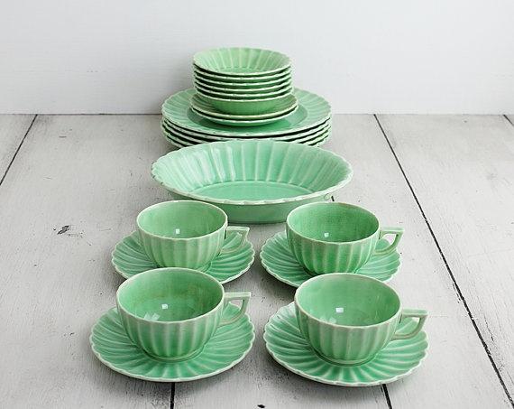 22 Pieces of Vintage Dinnerware Jade Ware by by ZinniaCottage & 50 best Jadeite kitchen ware images on Pinterest | Kitchen utensils ...