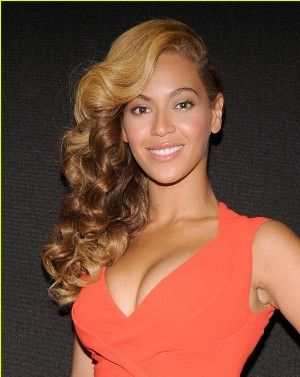 Beyonce Bra Size is 34D This beautiful plus energetic vocalist is in fact do some plastic-type material surgeries which includes her breasts implant. The girl got the girl34D bra size right after her doctor doctor Anthony Youn do breast implant for her within 2004. Nevertheless , she appears...