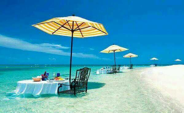 restaurant IN the ocean