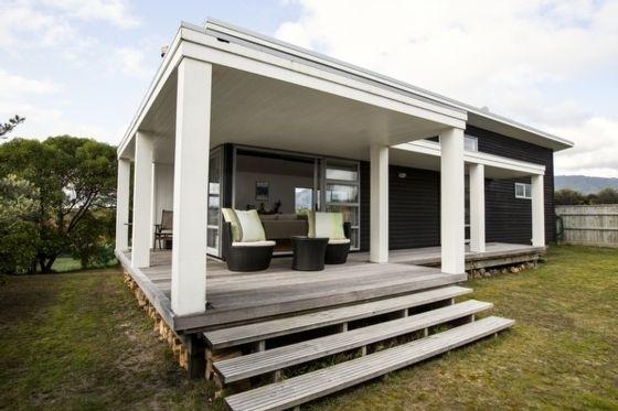 Waikanae Retreat - Waikanae Beach Holiday Home in Waikanae Beach, Kapiti Coast | Bookabach