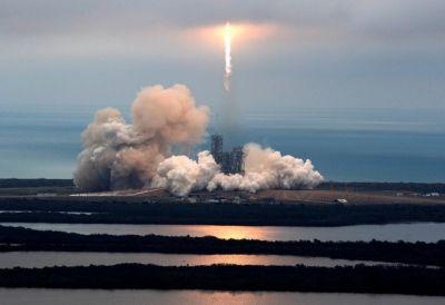 Chúc mừng Elon Musk SpaceX đã đi vào lịch sử với màn phóng tên lửa tái sử dụng Falcon 9 thành công rực rỡ | LinkHay.com