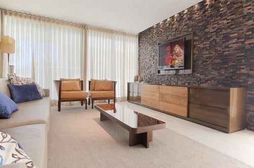 Pietre Colorate na sala de estar