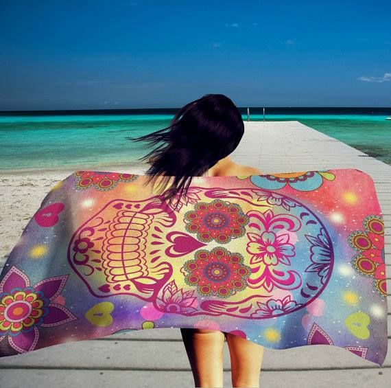 Such a beautiful beach towel. Get it here => http://tidd.ly/1e6bd013…