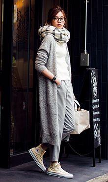 ロングカーディガンのコーデ術。グレーのレディースファッションコーデ参考