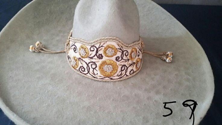 Sombrero Charro de Lana. Color gris claro con toquilla de gala .. Hecho en Mexico. En size 59 Mex 7-3/8 Americano Para entrega inmediata  Charro Hat made of