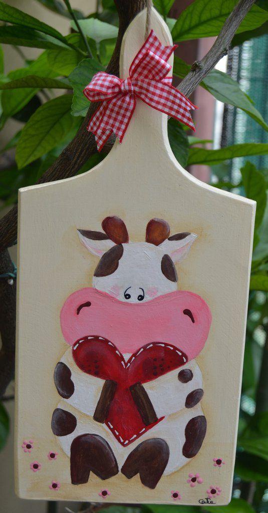 Tagliere legno con mucca in pittura country , by La Bottega di Dora, 14,00 € su misshobby.com
