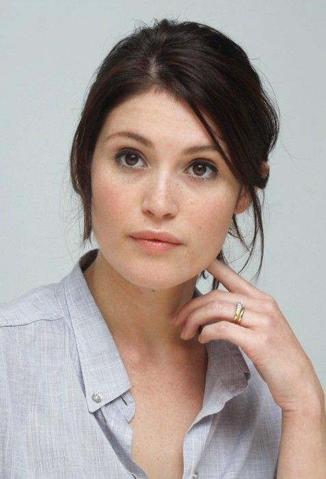Simple and pretty. Gemma Arterton. #BBSkinspiration #BeautyBay #AnneSemonin