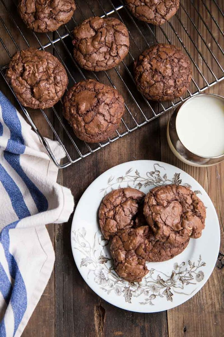 These are the BEST chewy chocolate cookies I've ever tried!
