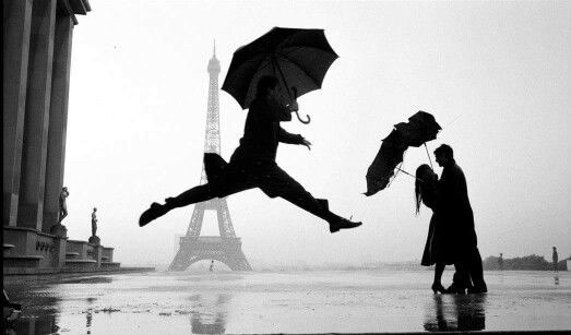 Elliot Erwitt. Paris, France, 1989. Eiffel Tower, 100 year Anniversary.