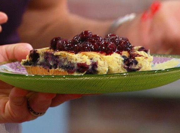 Gluten Free blueberry waffles from Elizabeth Hasselbeck's new gf ...