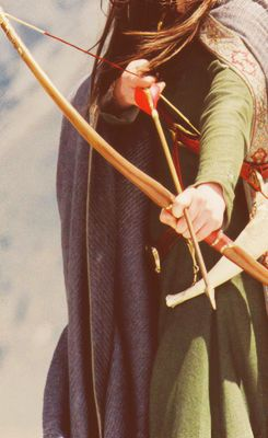 bow and arrow: Chronicles, Susan Pevensie, Archery, Wardrobe, Costume, Bow, Narnia, Anna Popplewell