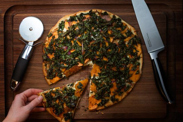 An easy to do sweet potato pizza with kale. It literally takes 10 minutes and a few simple ingredients to make your own fresh crust from scratch