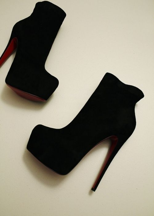gorgeous bootsShoes, Killers Heels, Black Booty, Woman Fashion, Ankle Boots, Black Boots, Black Heels, Christian Louboutin, Popular Pin