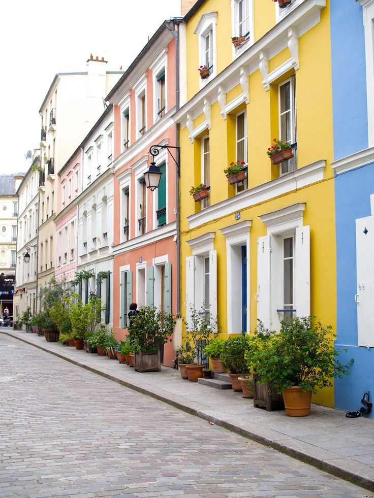 Rue Crémieux - I found the most beautiful street in Paris. And it's not in Montmartre!