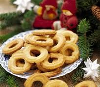 THE Best Danish Christmas cookie - vaillekranse