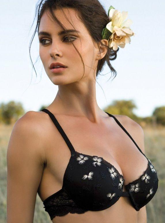 horizongirls.com - A visual and sensual journey, high quality blog! Catrinel Menghia