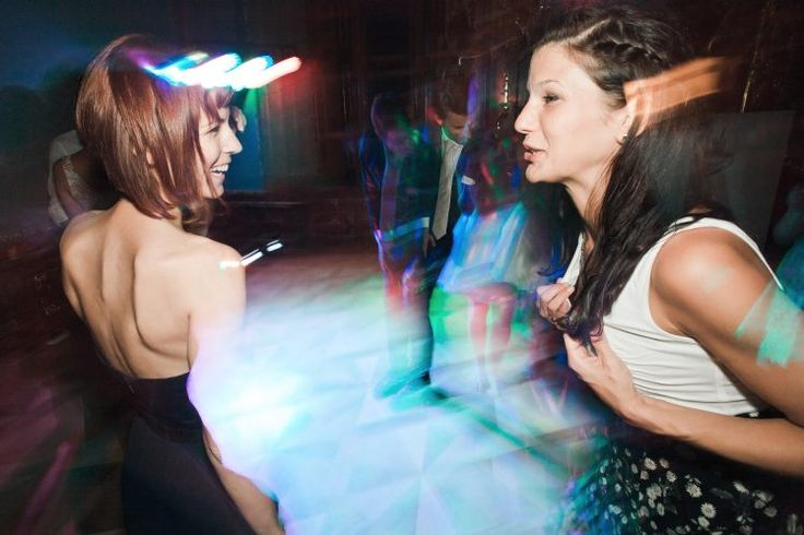 Dancing. Flesh panning
