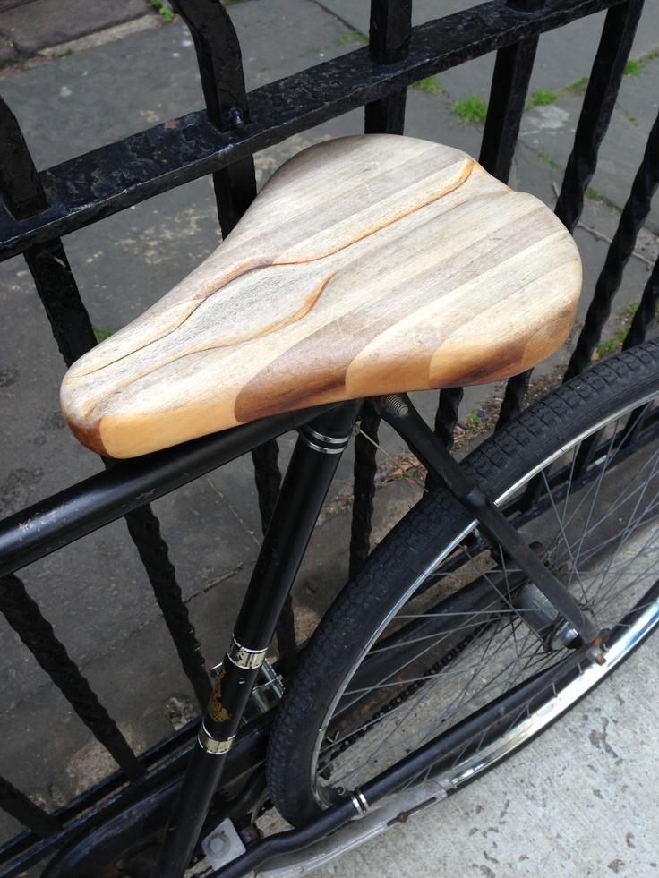 Trä istället för plast, kanske inte så bekvämt. Men ett steg till i det miljömedvetna. Och snyggt!