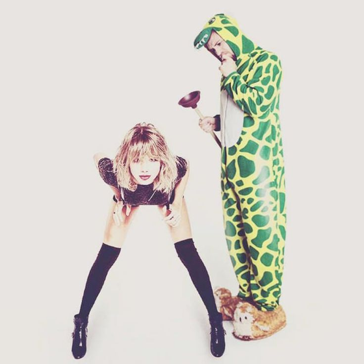 http://www.ufunk.net/insolite/crocodile-pajamas-celebrities/attachment/lorenz-valentino-5/
