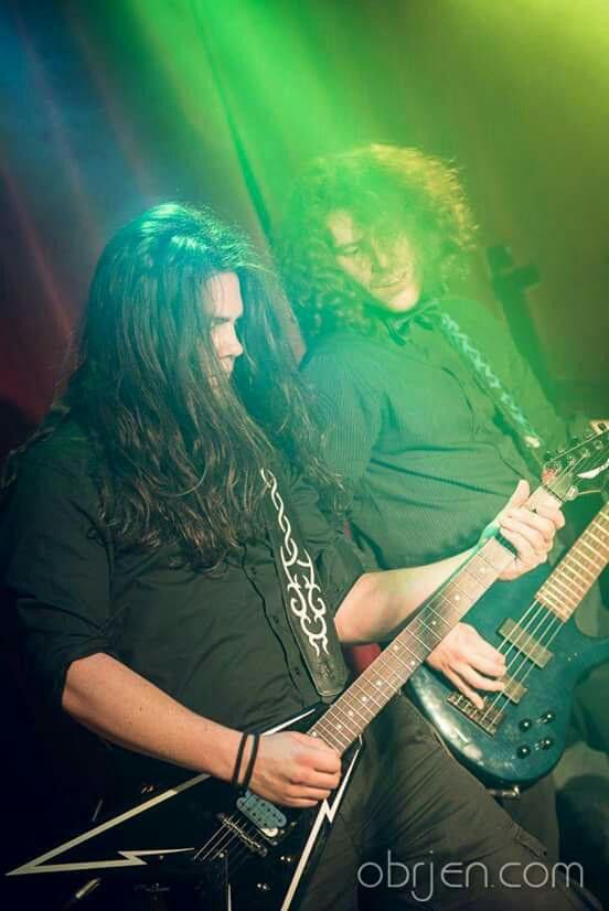 #aliatempora #live #show #stage #onstage #guys #band #guitarist #guitar #bassplayer #longhair #metal #rock #symphonic #electro #lights #green