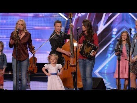 "The Willis Clan - 12 family band Singing ""My Favorite Things"""