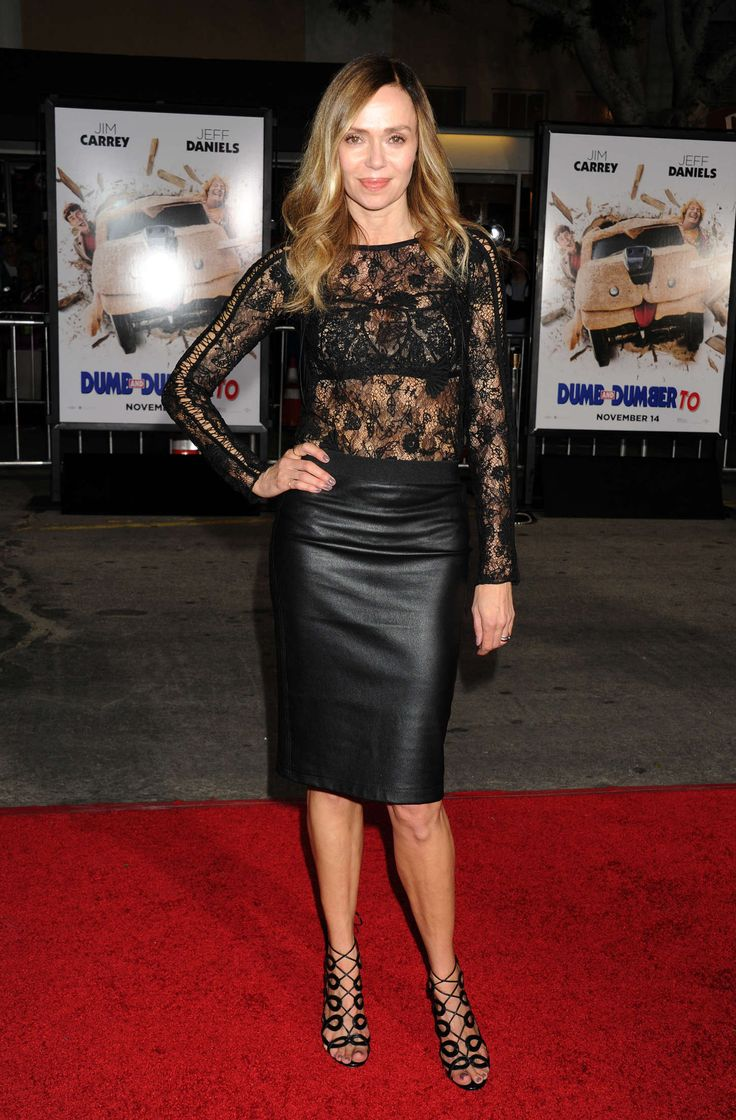 Vanessa Angel – 2014-11-03 – arrives at the Los Angeles premiere of 'Dumb And Dumber To' at Regency Village Theatre in Westwood (no. 5493)