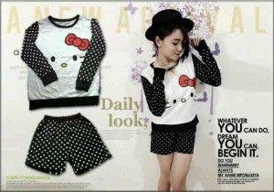 Nama baju : Setelan Hello Kitty Panjang Bahan : Kaos Cotton Combed Ukuran : all size fit L . Harga @ Rp.50.000, minimal order 1 seri (3 stel).