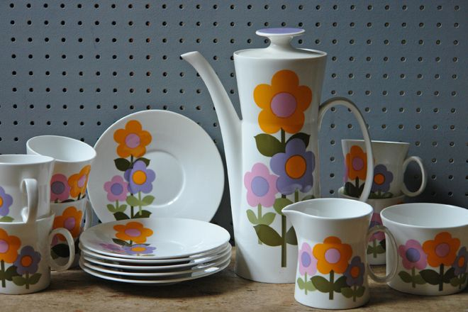 Vintage 'Dolly Days' coffee service. Designed by John Russell for Hostess Tableware in the 1960s