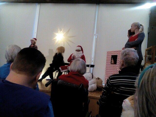 Joulun tähti, nuoret teatterin opiskelijat ja yhteinen kokemus
