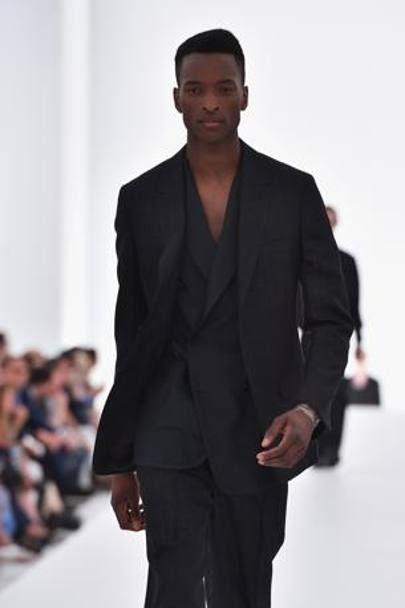 4246ecbf7c25 Abito uomo nero camicia – Modelli alla moda di abiti 2018