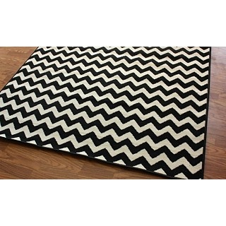 5x7 rug for a nursery: Chevron Patterns, Dining Rooms, Living Rooms, Area Rugs, Black And White, White Rugs, Alexa Chevron, Allure Chevron, Chevron Rugs