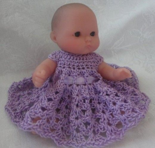 Free Doll Dress Crochet Pattern for Berenguer 5 Inch Doll Baby - http://wordsmith2418.hubpages.com/hub/Free-Doll-Dress-Crochet-Pattern-for-Berenguer-5-Inch-Doll-Baby#slide8547765