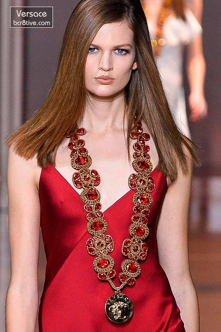 Versace Fall 2014 - Bette Franke