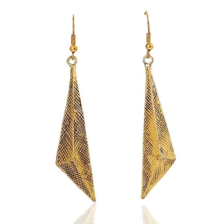 Golden earring soon available at www.misha.tn #tunisie #shopping #misha #new #brand