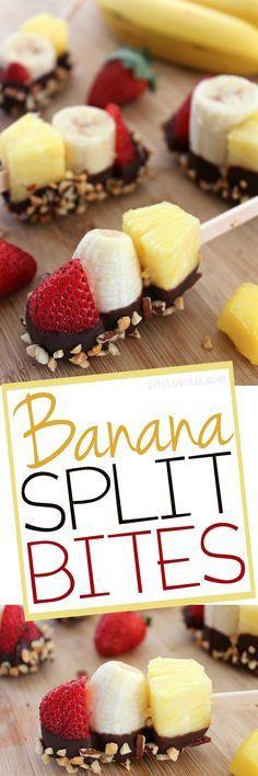 Banana Split Bites: • Bananen • Ananas • Erdbeeren • Schokolade • gehackte Nüsse - Stäbchen zum aufspießen